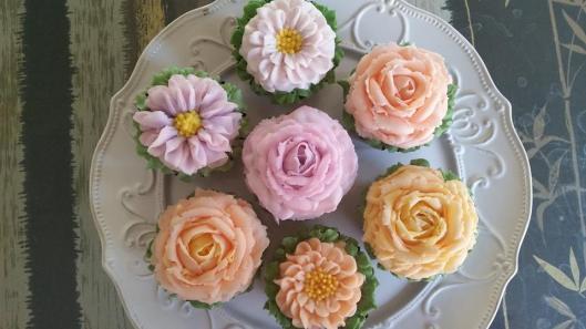 bday cupcakes1.jpg
